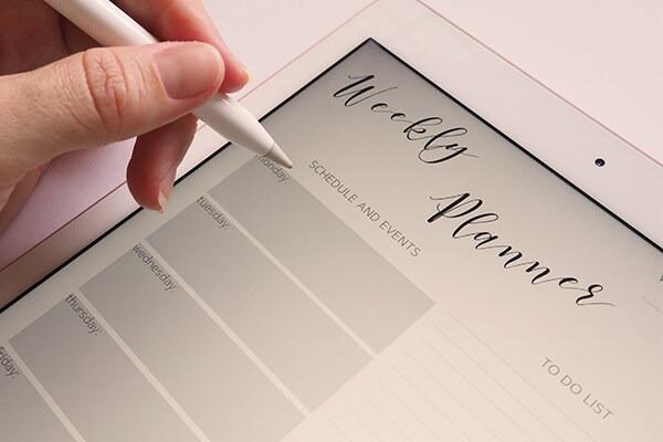 Good money saver writes down his schedule