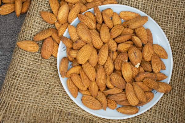 Easy to digest foods for your stomach: almonds.