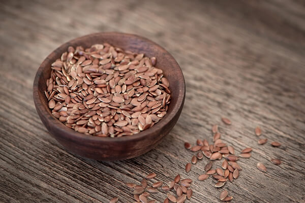 Easily digestible foods for your stomach: flax seeds.