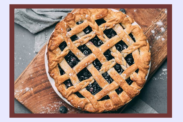 Blueberry pie - high-energy low-calorie foods for weight loss